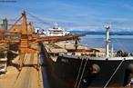 O porto de Paranaguá é um porto brasileiro que está localizado no estado do Paraná, na cidade de Paranaguá. É um dos principais exportadores de produtos agrícolas, com destaque para a soja em grão e o farelo de soja.  </br></br>  Palavras-chave: Dimensão política do espaço geográfico. Território. Transporte. Cargas. Economia. Dimensão econômica.