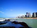 Boa Viagem é a praia urbana mais famosa da cidade do Recife. Tem aproximadamente sete quilômetros (7 km) de extensão, e é delimitada pela Praia do Pina em um lado e pela praia de Piedade do outro.  </br></br>  Palavras-chave: Nordeste. Praia. Turismo. Economia. Turistas.