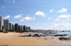 Porto do Mucuripe ou Porto de Fortaleza, como é mais conhecido, é um porto da costa do nordeste brasileiro localizado no estado do Ceará na cidade de Fortaleza.  </br></br> Palavras-chave: Porto. Costa. Região Nordeste. Cidade litorânea. Praia. Pesca. Economia.
