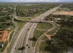 A BR-116 é a principal rodovia brasileira. É uma rodovia longitudinal que tem início na cidade de Fortaleza, no estado do Ceará e término na cidade de Jaguarão, no estado do Rio Grande do Sul, na fronteira com o Uruguai.  </br></br>  Palavras-chave: Rodovia. Transporte. Economia. Redes.