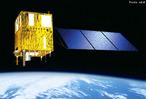 O Programa CBERS nasceu de uma parceria inédita entre Brasil e China no setor técnico-científico espacial. Com isto, o Brasil ingressou no seleto grupo de Países detentores da tecnologia de sensoriamento remoto. E desta forma, obteve uma poderosa ferramenta para monitorar seu imenso território com satélites próprios de sensoriamento remoto, buscando consolidar uma importante autonomia neste segmento. O Programa CBERS contemplou num primeiro momento apenas dois satélites de sensoriamento remoto, CBERS-1 e 2. </br></br> Palavras-chave: CBERS. INPE. Satélite. Brasil. China. Tecnologias. Sensoriamento remoto. Território. Monitoramento.