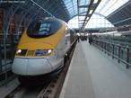 Foto do Eurostar, trem que parte de Bruxelas com destino a Londres. </br></br> Palavras-chave: Trem. Meios de transporte.Europa.