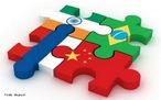 """O termo Bric foi criado para fazer referência a quatro países: Brasil, Rússia, Índia e China. Esses países emergentes possuem características comuns. Ao contrário do que algumas pessoas pensam, esses países não compõem um bloco econômico, apenas compartilham de uma situação econômica com índices de desenvolvimento parecidos. </br></br>Inicialmente, o termo era escrito sem a letra """"S"""", que foi oficialmente acrescentado à sigla Bric para formar o Brics, em 2011, após a admissão da África do Sul. Atualmente, o grupo é composto pelo Brasil, Rússia, Índia, China e África do sul. </br></br> Palavras-chave: Bric. Brasil. China. Índia. Rússia. África do Sul. Política. Economia."""