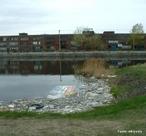O Canal de Lachine foi um canal hidroviário inaugurado em 1825, que permitiu a navegação segura de navios na região da Ilha de Montreal, no Rio São Lourenço, no Canadá. Está localizado entre a Ilha de Montreal e a Ilha Laval. Tornou-se obsoleto em 1959, quando o Canal Marítimo de São Lourenço foi construído.  </br></br>  Palavras-chave: Dimensão socioambiental. Demográfica. Política. Território. Região. País. Canal. Canadá. Ilha de Montreal.