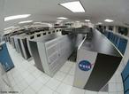 Columbia, um supercomputador da Nasa. Supercomputador é um computador com altíssima velocidade de processamento e grande capacidade de memória, empregado em pesquisas científicas e militares. Este termo é geralmente confundido com cluster — um tipo de supercomputador criado a partir da cooperação de vários computadores convencionais.  </br></br> Palavras-chave: Supercomputador. Nasa. Velocidade. Meios de comunicação. Militares. Científicas.