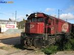 Locomotiva é um veículo ferroviário que fornece a energia necessária para a colocação de um comboio ou trem em movimento; as locomotivas não têm capacidade de transporte própria, quer de passageiros, quer de carga.  </br></br>  Palavras-chave: Locomotiva. Ferrovias. Locomotivas, Comboio. Transporte de cargas. Passageiros. Trem. Carvão mineral. Petróleo.