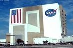 A Nasa é simplesmente conhecida mundialmente como a Agência Aero-Espacial estadunidense. É uma agência do Governo dos EUA, criada em 29 de julho de 1958, responsável pela pesquisa e desenvolvimento de tecnologias e programas de exploração espacial.  </br></br> Palavras-chave: Dimensão política. Território. Lugar. Região. Nasa. Pesquisas científicas.