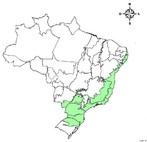 O Dom�nio da Mata Atl�ntica ou Bioma Mata Atl�ntica engloba uma �rea de 1.306.000 km�, cerca de 15% do territ�rio nacional, cobrindo total ou parcialmente 17 Estados brasileiros. Corresponde a um mosaico de ecossistemas florestais e outros ecossistemas florestais e outros ecossistemas associados (restingas, manguezais, etc.) que formavam um grande cont�nuo florestal � �poca do descobrimento do Brasil.</br></br>Palavras-chave: Mata Atl�ntica. Bioma. Brasil. Ecossistemas Florestais.
