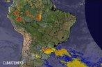 Imagem do sat�lite Goes-12 no dia 22/09/2010 �s 18 horas e 45 minutos. A imagem representa uma frente fria que avan�a sobre o Sul do Brasil e deixa o tempo carregado, principalmente no Rio Grande do Sul e no oeste de Santa Catarina. Na previs�o, n�o se descarta chuva e ventos fortes em todo o Sul. Em grande parte do Sudeste, no Centro-Oeste, no TO e no interior e litoral norte do Nordeste, uma forte massa de ar seco predomina e deixa o tempo aberto. No Norte do pa�s, o tempo abafado e �mido forma nuvens tropicais que provocam pancadas de chuva em grande parte da Regi�o. </br></br> Palavras-chave: Previs�o do Tempo. Massas de Ar. Frente Fria. Chuvas. Imagem de Sat�lite.