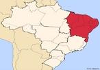 Regi�o Geoecon�mica Nordeste Estados AL, BA, CE, MA, PB, PI, PE, RN e SE Caracter�sticas geogr�ficas �rea 1.558.196 km� Popula��o 52.191.238 hab. IBGE/2007 Densidade 32 hab./km� </br></br> Palavras-chave: Popula��o. Caatinga. �rido. Regi�o Nordeste. Brasil. Zona da Mata.