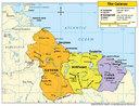 As Guianas s�o uma subdivis�o da Am�rica do Sul, composta pelos seguintes pa�ses e territ�rios: Guiana, Guiana Francesa e Suriname. Os territ�rios das Guianas foram colonizados no s�culo XVI por Inglaterra, Holanda, Fran�a, Portugal e Espanha.</br></br>As Guianas limitam-se ao sul e leste com o Brasil, ao oeste com a Venezuela e ao norte com o oceano Atl�ntico. Na posi��o norte, concentra-se 90% da popula��o total das tr�s Guianas. A popula��o � pouco numerosa, constitu�da predominantemente de negros, ind�genas, mesti�os e asi�ticos. A maior parte da popula��o concentra-se na �rea urbana.</br></br>Os minerais s�o as principais riquezas das Guianas, destacando-se a bauxita. Nas plan�cies setentrionais (litoral) sobressaem o cultivo de cana-de-a��car, cacau, caf� e frutas tropicais.</br></br>Palavras-chave: Guiana. Guiana Francesa. Suriname. Am�rica. Am�rica do Sul.