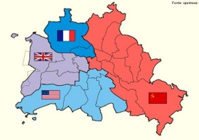 Os Aliados que derrotaram a Alemanha na Segunda Guerra Mundial dividiram o país a oeste da Linha Oder-Neisse em quatro zonas de ocupação de efeitos administrativos, entre 1945 e 1949. </br></br>Com o tempo Estados Unidos e União Soviética entraram em conflito pela posse e poder transitório na Alemanha. Durante a Guerra Fria, ocorreu um acordo no qual três das potências ocupantes (França, Reino Unido, Estados Unidos) teriam livre acesso à parte aos setores ocidentais da cidade e que foi denominada Berlim Ocidental.</br></br> Com a concretização desse acordo, foi criado o Muro de Berlim, separando fisicamente a cidade de Berlim em Ocidental e Oriental. </br></br> Palavras-chave: Alemanha. Segunda Guerra Mundial. Zonas de Ocupação. Muro de Berlim. EUA. União Soviética. Guerra Fria.