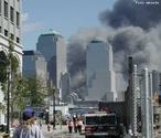 World Trade Center foi um complexo de edifícios construído no início da década de 1970, localizado em Manhattan, Nova Iorque, EUA. Chamadas de as Torres Gêmeas, com 110 andares, onde trabalhavam diariamente cerca de 50 mil pessoas. </br></br> Palavras-chave: Torres. Atentado. Terror. Bomba. Política. Petróleo. Oriente. Ocidente.