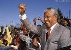 Nelson Rolihlahla Mandela foi um líder rebelde e, posteriormente, presidente da África do Sul de 1994 a 1999. Principal representante do movimento anti-apartheid, considerado pelo povo um guerreiro em luta pela liberdade, era tido pelo governo sul-africano como um terrorista e passou quase três décadas na cadeia. </br></br> Palavras-chave: Apartheid. África do Sul. Preconceito Racial.