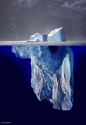 Fotomontagem mostrando a aparência de um <em>iceberg</em> inteiro.  </br></br>  Palavras-chave: Iceberg. Geleiras. Aquecimento Global. Política. Exploração Econômica.