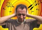 A poluição sonora se dá através do ruído, que é o som indesejado, sendo considerada uma das formas mais graves de agressão ao homem e ao meio ambiente. Segundo a OMS - Organização Mundial da Saúde, o limite tolerável ao ouvido humano é de 65 dB . Acima disso, nosso organismo sofre estresse, o qual aumenta o risco de doenças. Com ruídos acima de 85 dB aumenta o risco de comprometimento auditivo. Dois fatores são determinantes para mensurar a amplitude da poluição sonora: o tempo de exposição e o nível do barulho a que se expõe a pessoa.  </br></br> Palavras-chave: Poluição Sonora. Ruído. OMS. Tempo. Estresse.