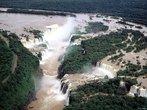 O Rio Iguaçu é um afluente do rio Paraná e também é o maior rio do estado do Paraná. Ele é formado pelo encontro dos rio Iraí e rio Atuba, na parte leste do município paranaense de Curitiba, junto a divisa deste com os municípios de Pinhais e São José dos Pinhais. </br></br> Palavras-chave: Rio Iguaçu. Afluentes. Rio Paraná. Paraná. Curitiba. Rio Iraí. Rio Atuba. Pinhais. São José dos Pinhais. Hidrografia.