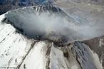 O Monte Santa Helena � um vulc�o ativo que fica no sudoeste do estado norte-americano de <em>Washington</em>, 160 km ao sul de <em>Seattle</em>. Erup��o do Monte Santa Helena em 1980.  </br></br>  Palavras-chave: Vulc�o. Destrui��o. Magma. Terremoto. Abalos S�smicos. Relevo. Placas Tect�nicas.