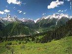 O C�ucaso situa-se no Sudoeste da Europa, entre o Mar Negro e o Mar C�spio, separando a Europa da �sia. O ponto de maior altitude � o Monte Elbrus, que com os seus 5.642 metros constitui o ponto mais elevado de todo o continente europeu. </br></br> Palavras-chave: Europa. �sia. Relevo. Continentes.