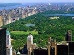 Nova Iorque possui inúmeras áreas verdes espalhadas, o parque mais famoso é o <em>Central Park</em> (Parque Central), localizado no centro de Manhattan, é um dos pontos de interesse mais conhecidos de Nova Iorque. O <em>Central Park</em> é na verdade composto por mais de cem parques menores, que no total possuem 4 km de comprimento e 800 metros de largura. </br></br> Palavras-chave: Parque. Ambiente. Lazer. Nova Iorque. E.U.A. Áreas Verdes.
